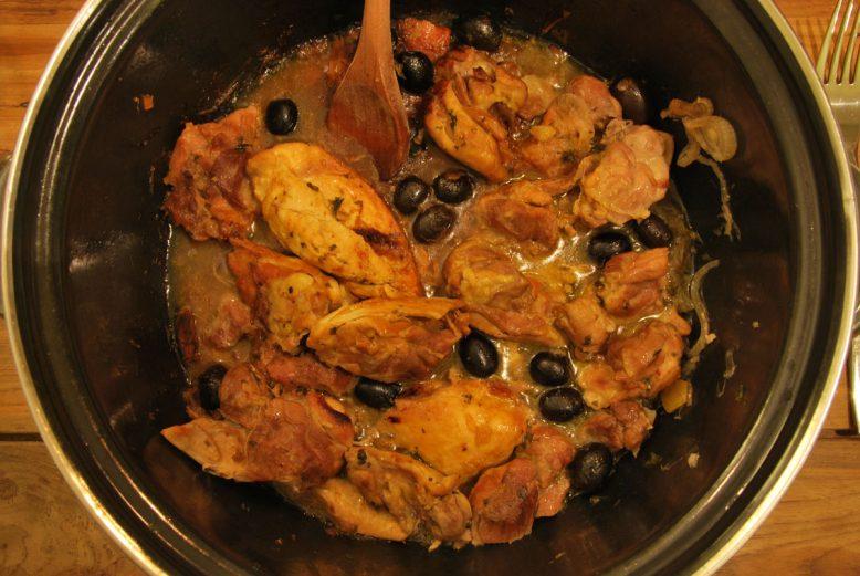 Marokkaanse kip met olijven en ingelegde citroen