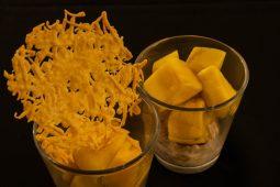 Mystery box challenge: mango makreelmousse met koekje van Parmezaan