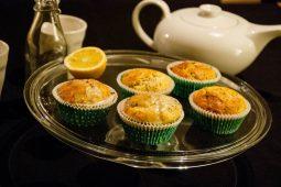 Citroen maanzaad muffins (lemon poppy seed muffins)