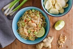 Asian cuisine: pad thai