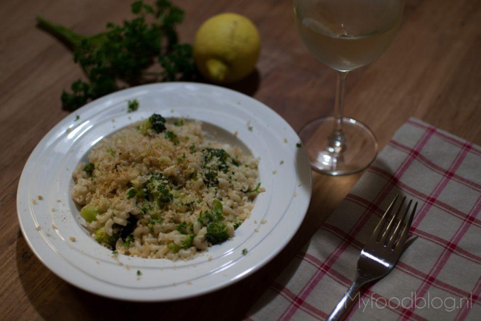 Pasta met broccoli en een knapperige bite