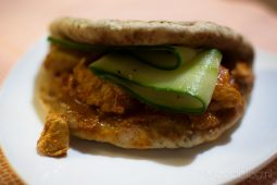 Kip tikka met een frisse komkommersalade