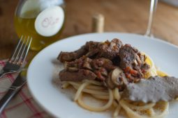 Pasta met Italiaans stoofvlees (pasta al ragù)