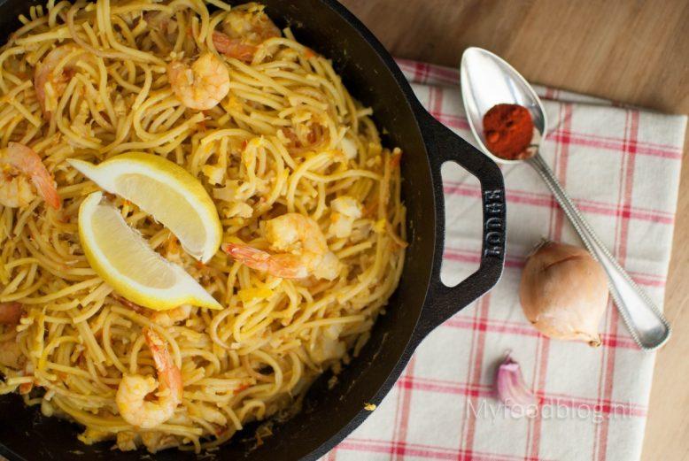 Spaanse fideua ('paella' met pasta)