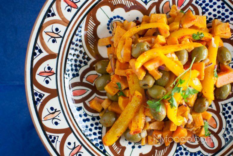 Zoete aardappelsalade met olijven