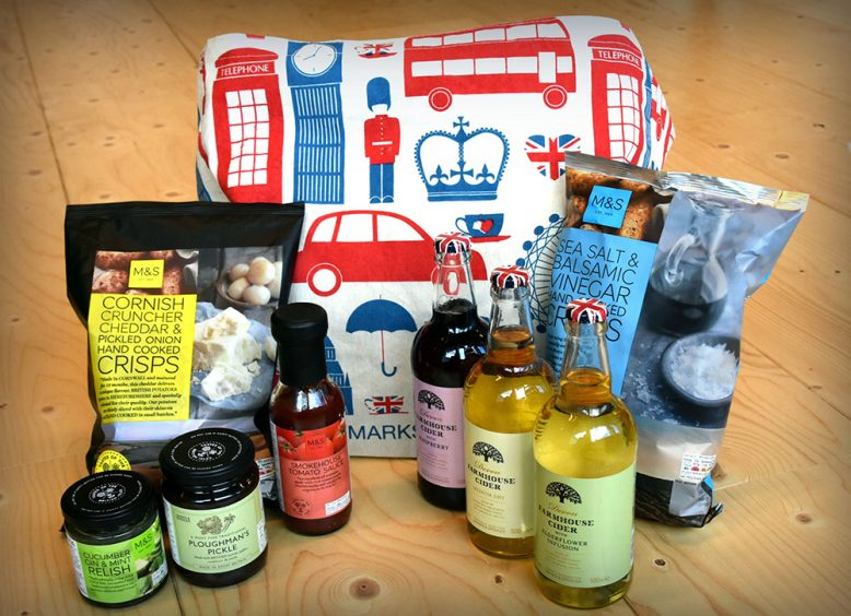 Win: een foodie pakket van Marks & Spencer!