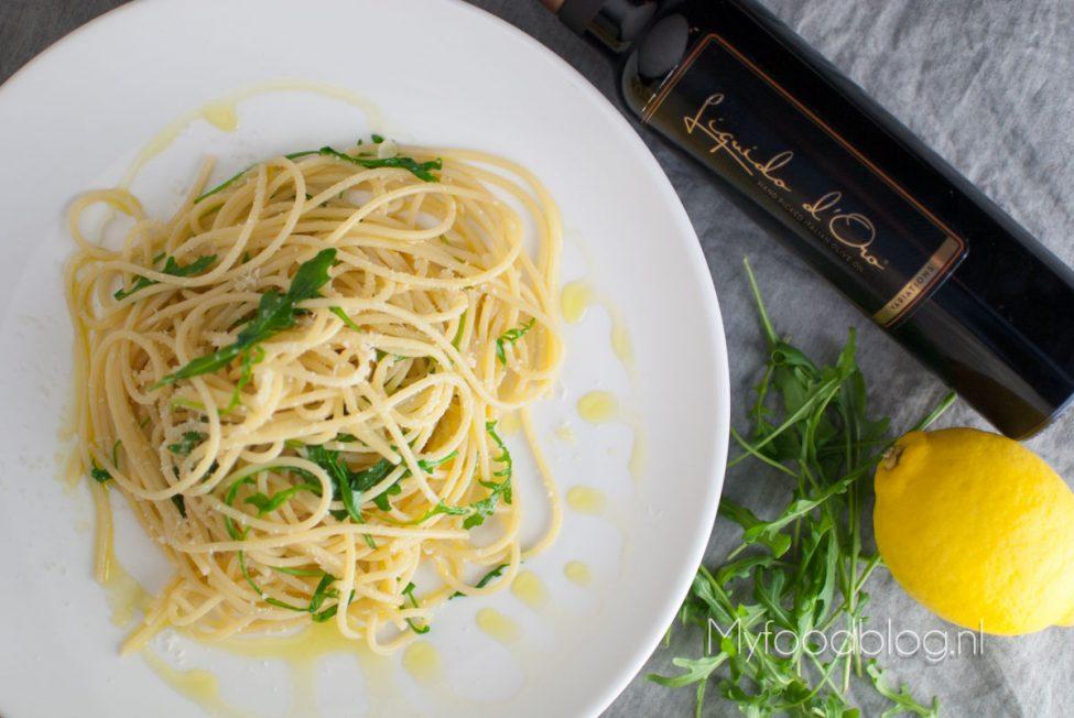 Zonnige pasta met rucola en een vleugje truffel
