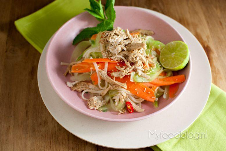 Aziatische noodle salade