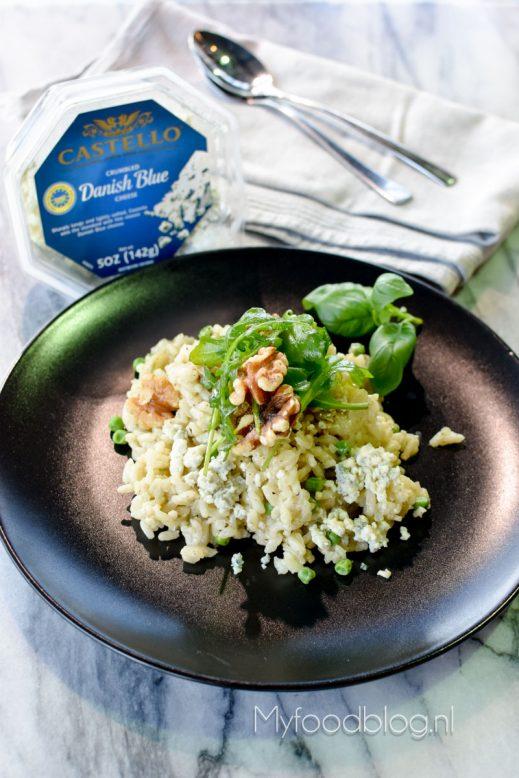 Blauwe kaas risotto met walnoten en doperwten