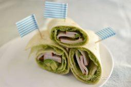 Wraps met avocado pesto en kip