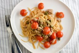 Spaghetti met tonijn en tomaat