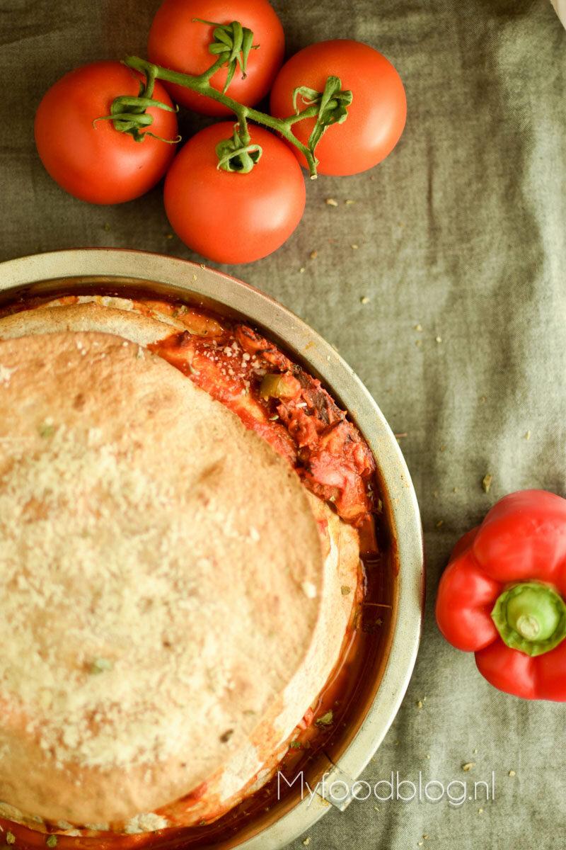 Tortillataart met makreel en tomaat