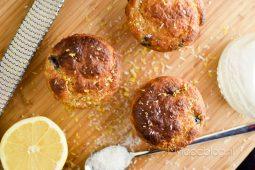 Gezonde muffins met citroen en blauwe bessen