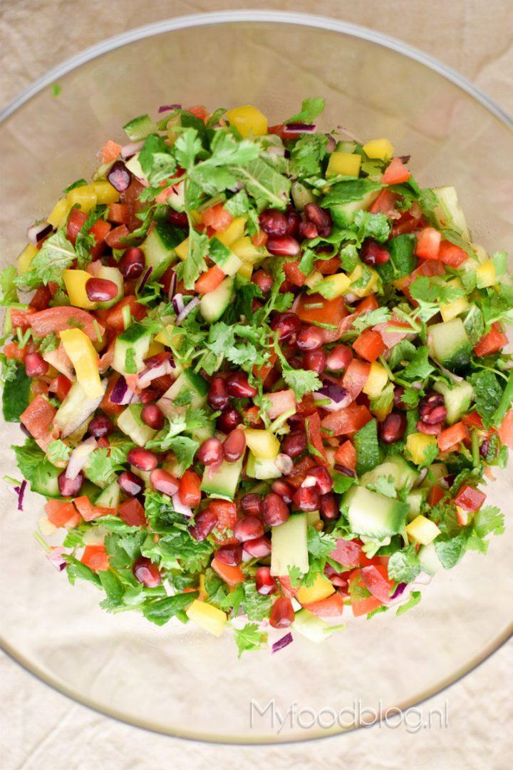 Kleurrijke Midden-Oosterse salade