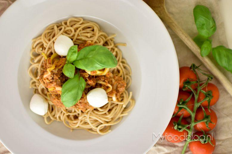 Makkelijke spaghetti met gehakt en mozzarella