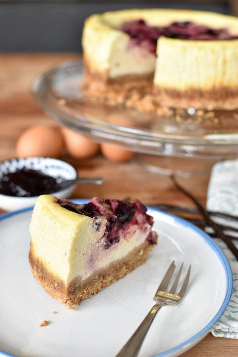 Klassieke cheesecake met een laagje zwarte kers