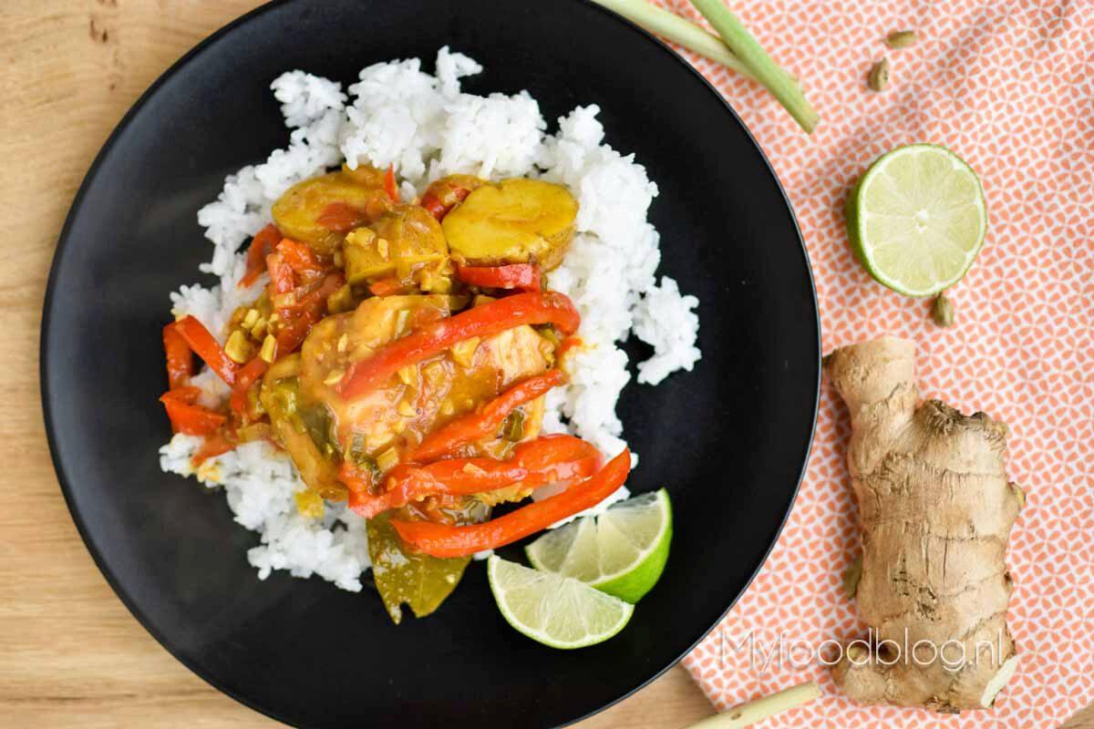 Massaman curry met aardappel en kip