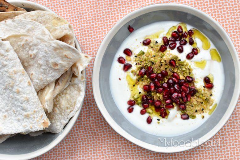 Labneh met pistache dukkah