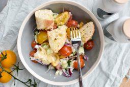 Panzanella (Italiaanse salade met brood)