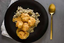Bloemkoolrijst curry met kip en verborgen groenten