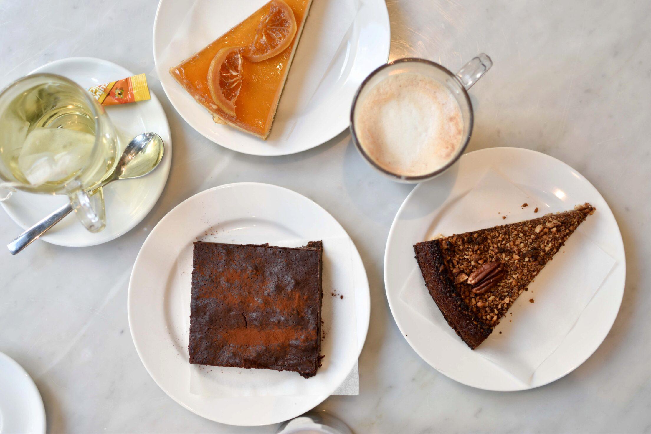 Luza's Caffeine Club: Hip & lekker taartjes eten