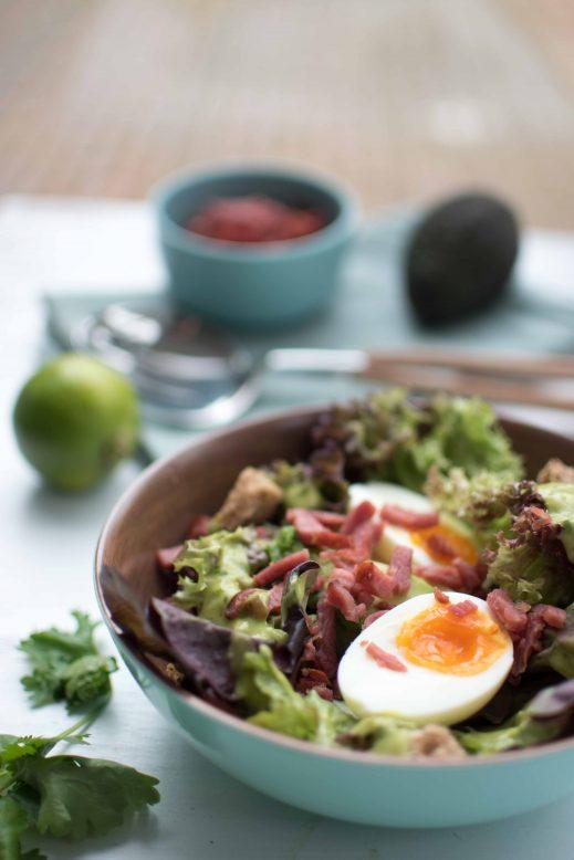 salade avocado, ei en spekjes - bereidingswijze