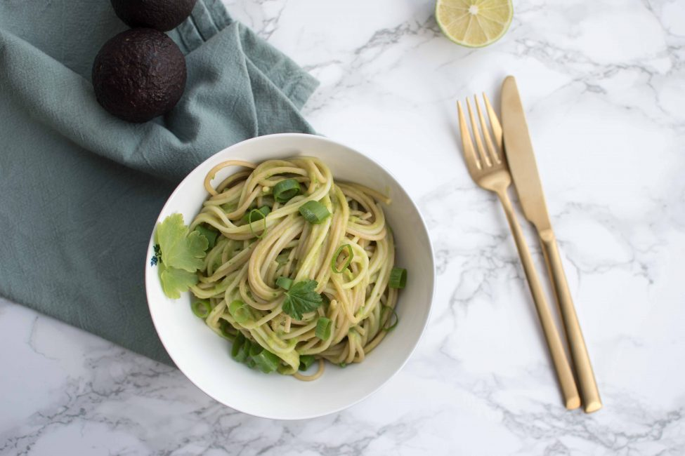 Romige groene pasta (vegan green goddess pasta)