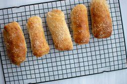 Hotdog broodjes uit eigen keuken