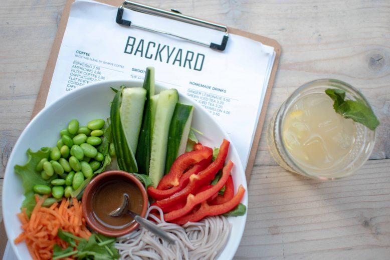 soba noodle salade Backyard
